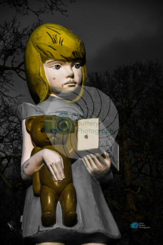 Charity Statue - Damian Hirst
